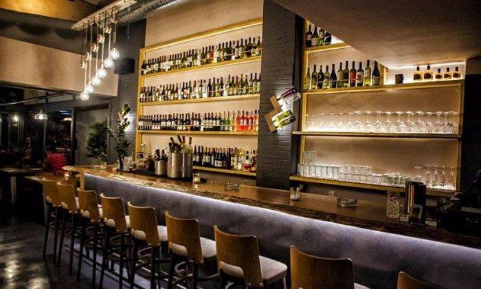 """15€ για ένα γεύμα 2 ατόμων με ελεύθερη επιλογή από τον κατάλογο φαγητού και ποτού, στο """"Astarti Bar Restaurant"""" στην Αργυρούπολη"""