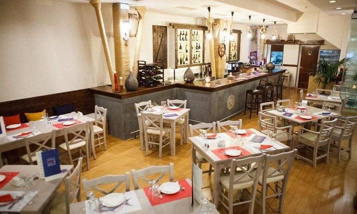 """15€ για ένα γεύμα 2 ατόμων με ελεύθερη επιλογή από τον κατάλογο φαγητού στο """"Marea Fish Restaurant Bar"""" στο Χαλάνδρι"""