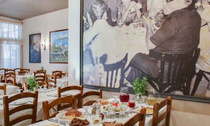 """23€ για ένα πλήρες μενού 2 ατόμων με ελεύθερη επιλογή από τον κατάλογο, στην ταβέρνα """"Αρσένης"""" στο Παλαιο Φάληρο"""